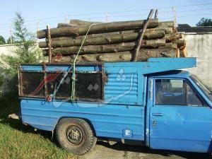 خودروی قاچاقچیان چوب در لشت نشا توقیف شد   تحویل چوبهای کشف شده به اداره منابع طبیعی